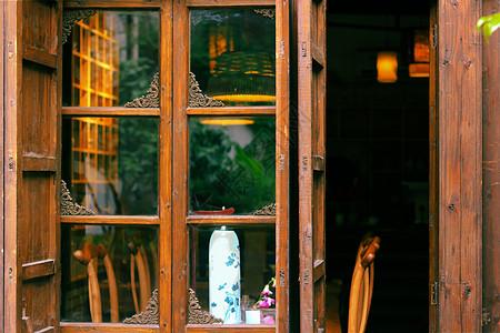 木质的窗户及家具图片