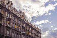 蓝天下的欧式建筑图片