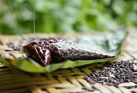 墨江紫米粽子图片