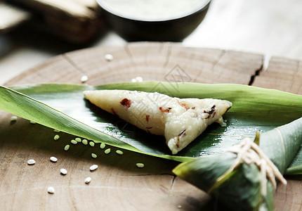 丽江香菌火腿粽子图片