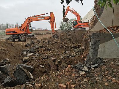 工作中的挖掘机图片
