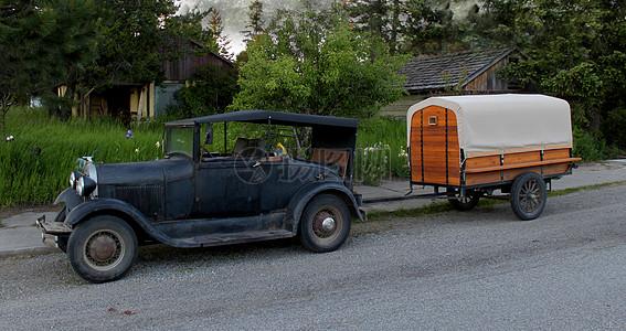 小车拉着木车图片