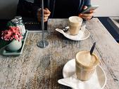 咖啡店的情侣图片