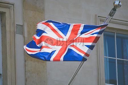 随风摆动的旗帜图片
