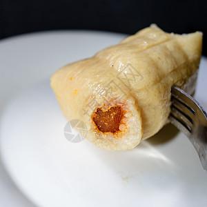 蛋黄肉粽图片