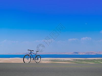 环青海湖骑行图片