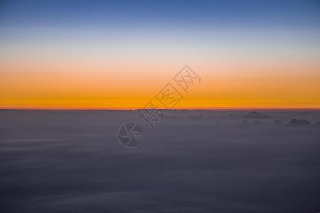 云上飞图片