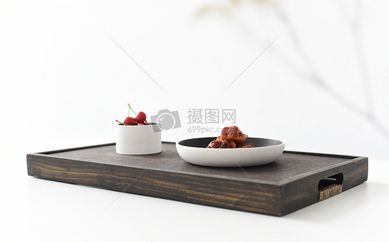 餐桌上的美与好图片