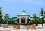 迪士尼色彩鲜艳的商店图片