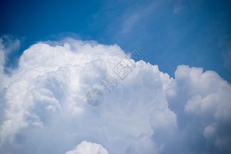 大片云朵特写图片