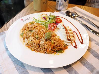 韩式秘制炒饭图片