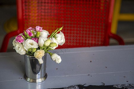 桌上的花图片