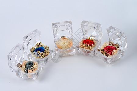 水晶盒里的花朵图片