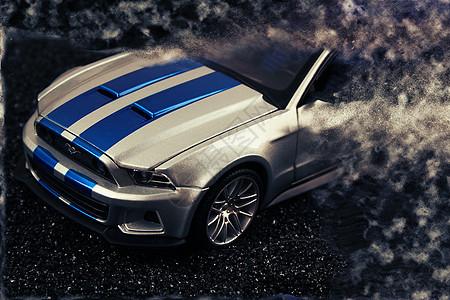 沙暴中的福特野马图片
