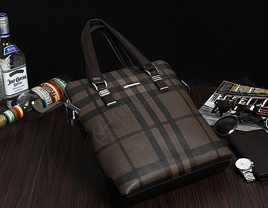 男手提包真皮包图片