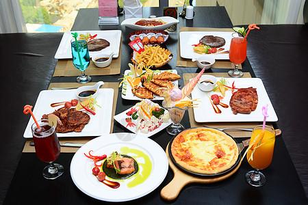 西餐四人餐图片