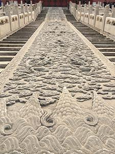 龙纹石刻图片
