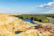 新疆五彩滩图片