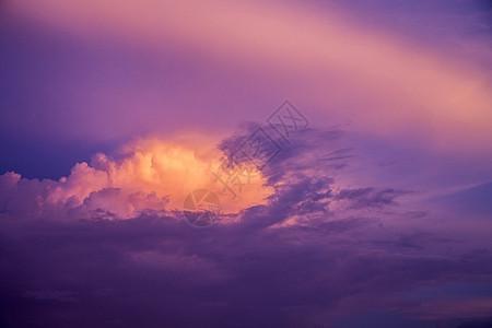 紫罗兰的云图片