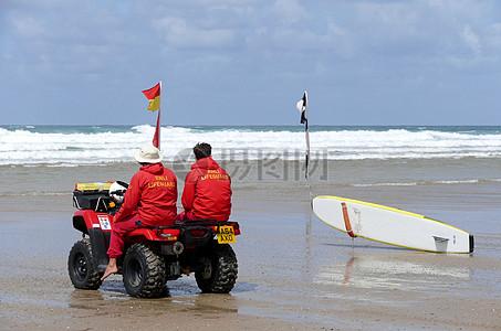 海边的救生员图片