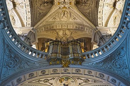 巴洛克教会拱顶建设图片
