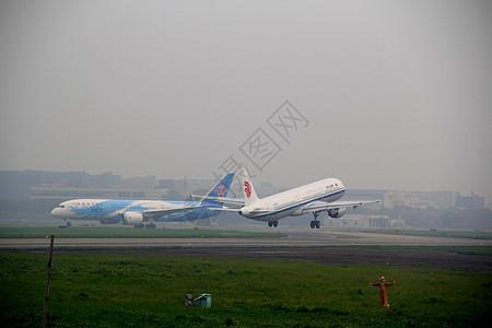国航320起飞瞬间图片