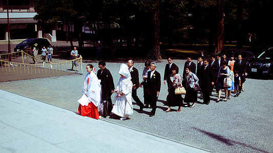 北海道神宫举行的传统日本婚礼图片