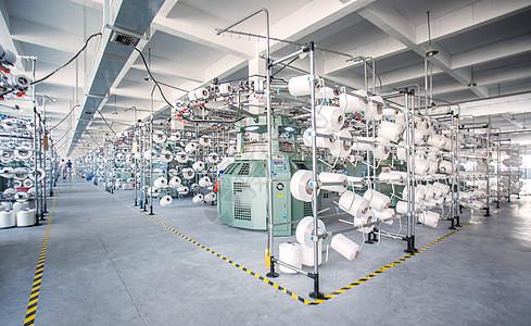 工厂整齐的货架摆放线轴图片