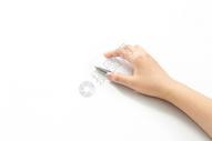 手握鼠标操作图片