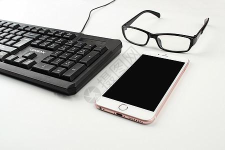 键盘眼镜手机图片