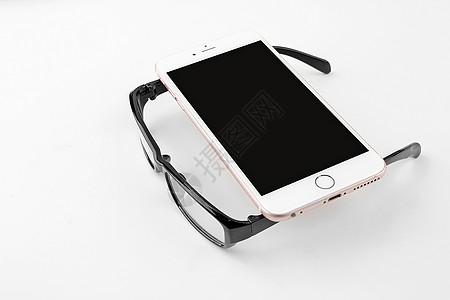 智能手机和眼镜图片