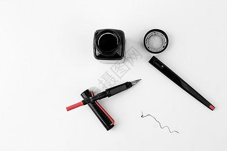 钢笔摆拍图片