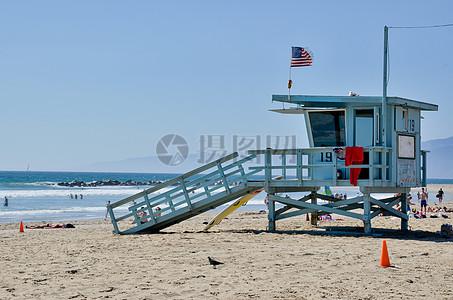沙滩上的观景台图片
