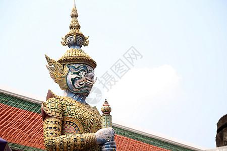 泰国大皇宫极具泰式风情的人物雕塑 鲜活明朗栩栩如生图片