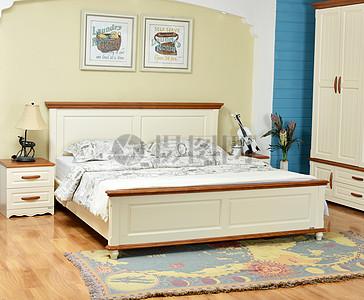 床 大床 卧室 被褥 枕头图片