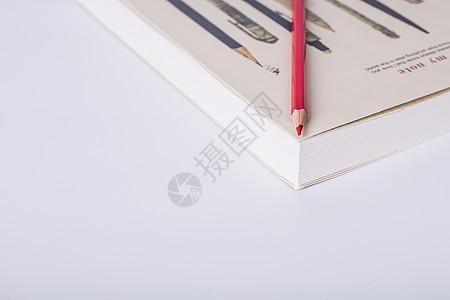 教育铅笔书本创意摆拍图片
