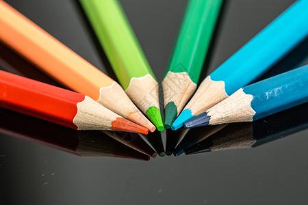 教育设计铅笔平铺扇形创意拍摄图片