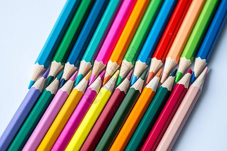 教育设计铅笔彩虹对称平铺创意拍摄图片