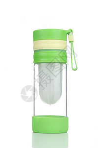 绿色玻璃水杯图片