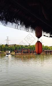 湖边灯笼图片