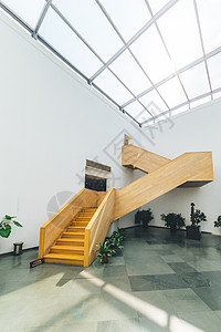 人物设计艺术空间木质楼梯图片
