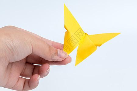 黄色蝴蝶折纸工艺景物纸质图片