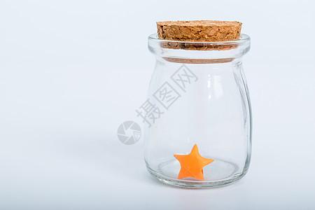 玻璃瓶纸质红色星星手工艺图片