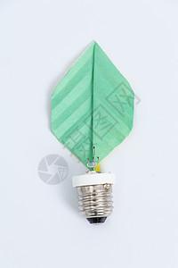 手工绿色树叶创意节能灯泡图片