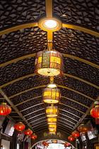 豫园老街中国风灯笼国庆图片
