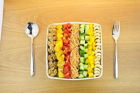 健康养生低卡水果鸡丝杂粮坚果沙拉图片