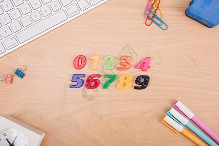 创意学习数字算数桌面摆拍图片