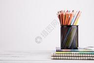 创意学习铅笔本子摆拍图片