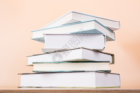 教育知识书本排列创意摆拍图片
