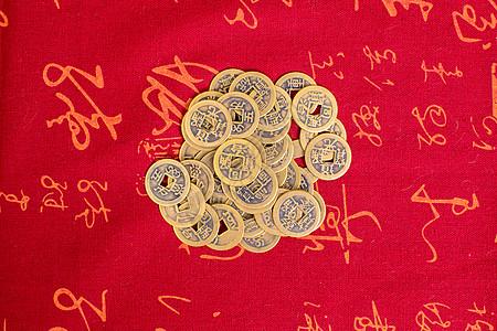中国风清代铜钱平铺拍摄图片